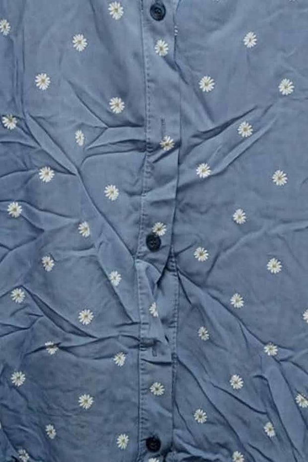 Italian Daisy Print Button Detail Top