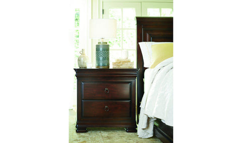 Cottage Retreat Poster Bed – Jennifer Furniture