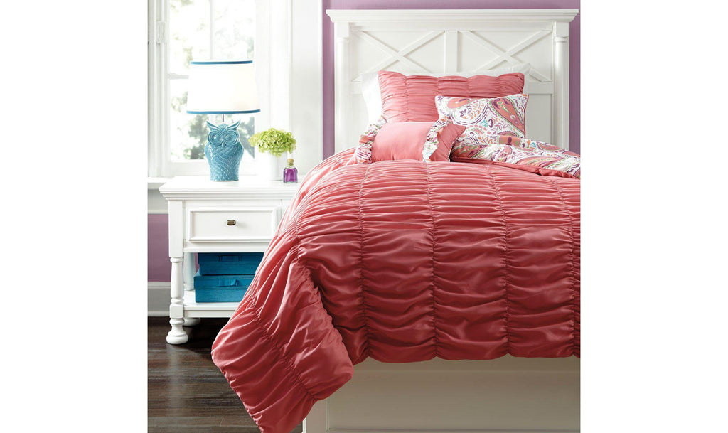 Crinkle Pleat Comforter Set