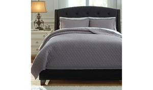 Alecio Quilt Set-Jennifer Furniture