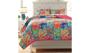 Belle Chase Quilt Set-Jennifer Furniture
