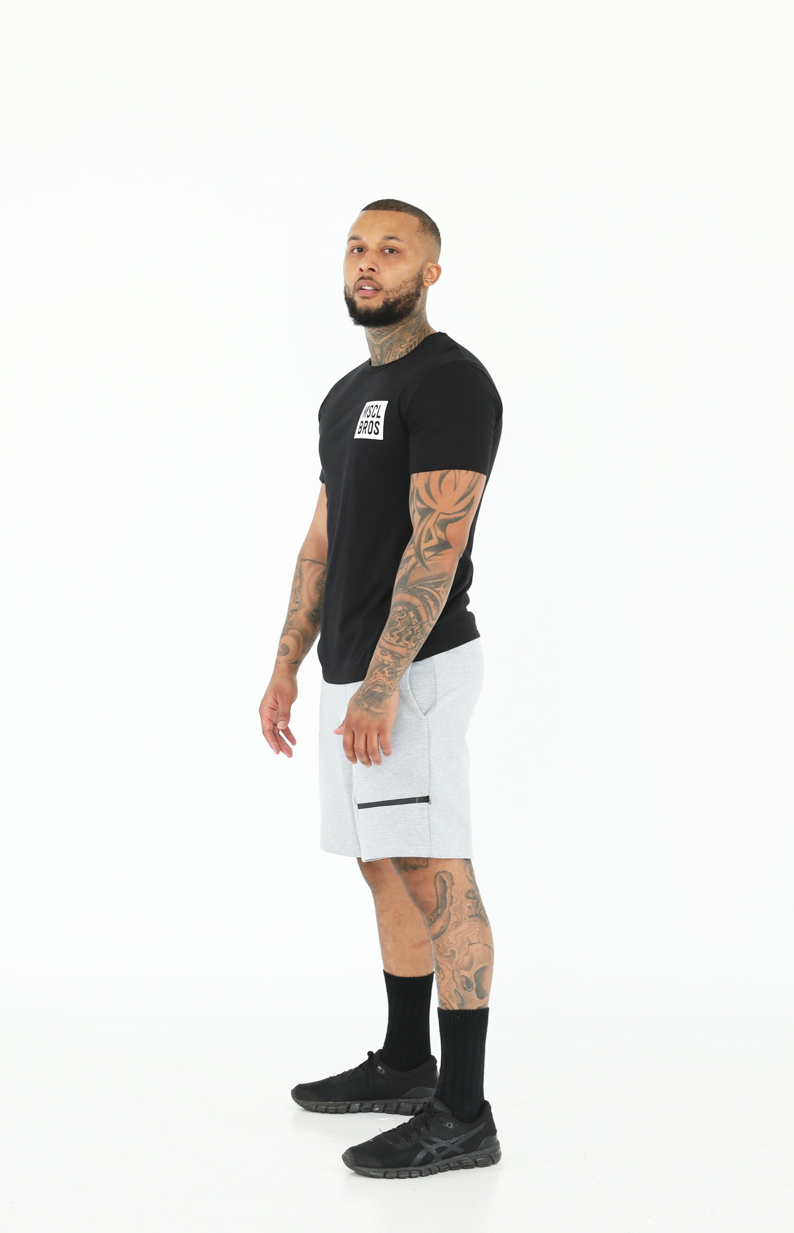 AW19 Mens Tshirt Two Tone Vertical - Black/Red