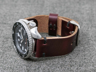 Horween Color 8 Chromexcel | Black Thread - The Hudson Strap