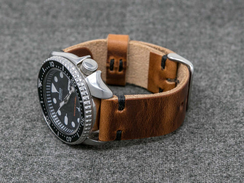 Horween English Tan Dublin | Black Thread - The Hudson Strap