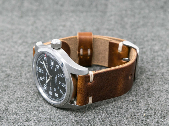 Horween Chestnut Dublin | Natural Thread - The Hudson Strap