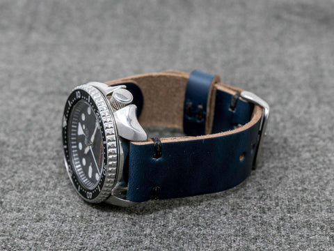 Horween Navy Chromexcel Cordovan | Black Thread - The Hudson Strap