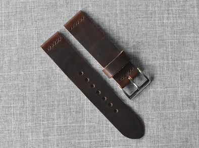 Horween Brown Nut Dublin | Black Thread - The Potomac Strap