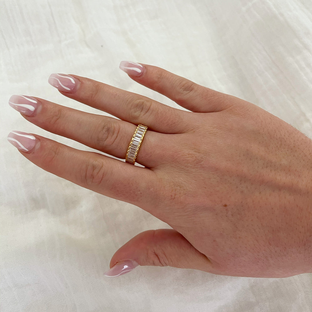 Clear Cally Ring