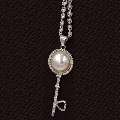 Pearl Key Pendant Necklace - Shevoila Jewelry & Clothing - 2