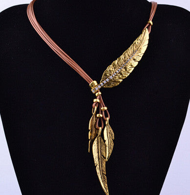 Black Rope Chain Feather Necklace - Shevoila Jewelry & Clothing - 3