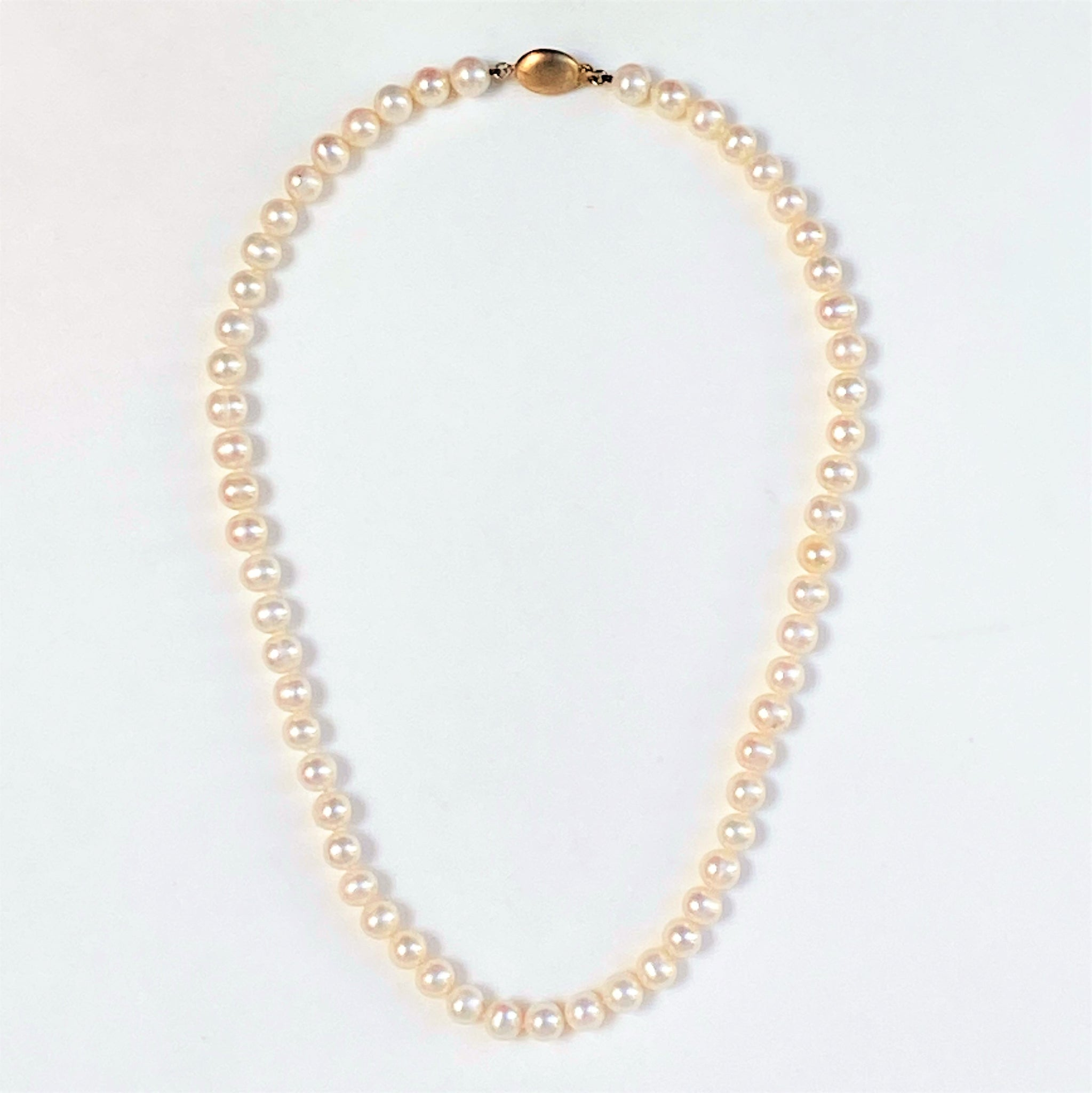 Pearl Necklace with 14ct Gold Clasp
