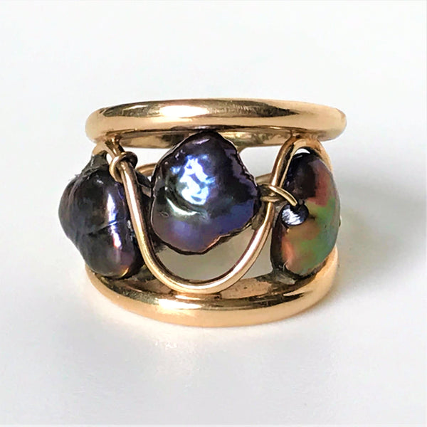 9ct Gold and Large Baroque Pearl Ring