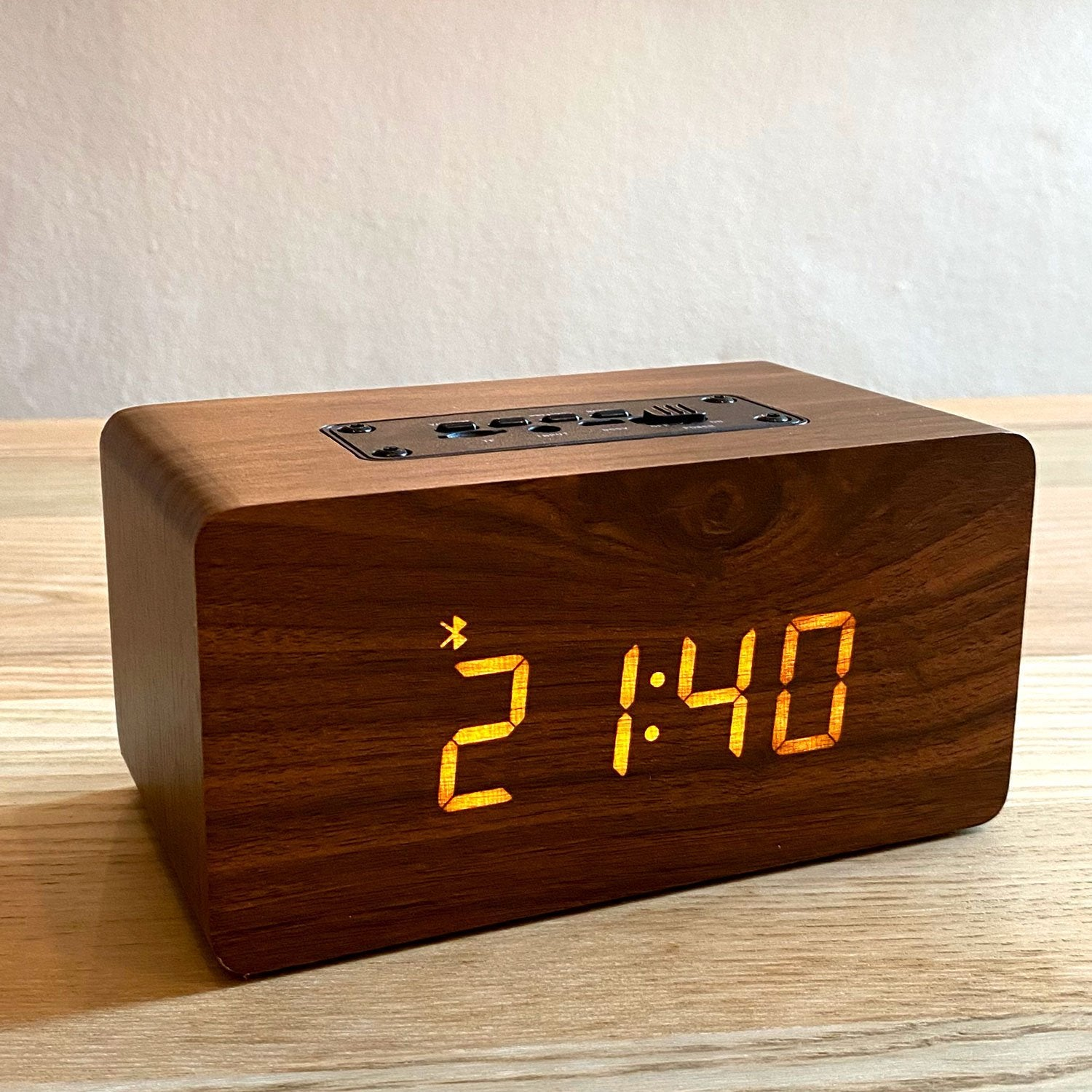 Retro Wooden Bluetooth Clock Speaker - Happiness Idea