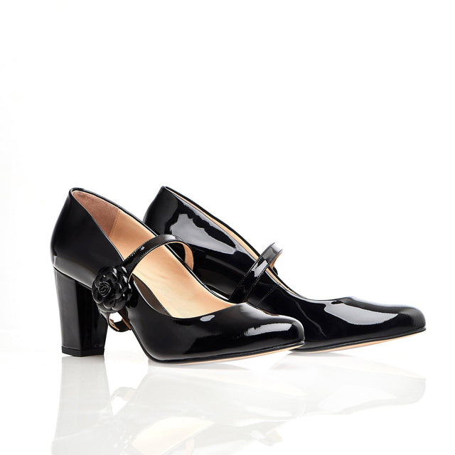Black patent block heel shoes with flower