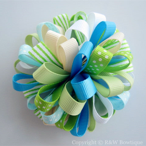 A Pop of Daisies Loopy Hair Bow