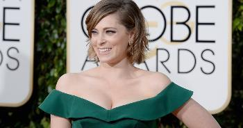 Rachel Bloom Wears a Corset And Two Pairs Of Spanx To Golden Globes