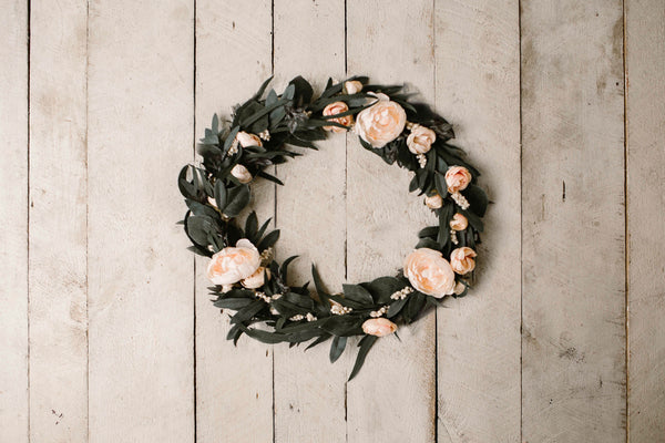 floral hoop and barn wood backdrop