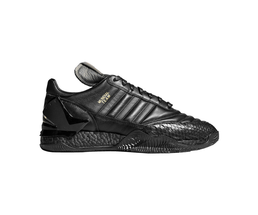"""Triple Black Copa Rose Lux """