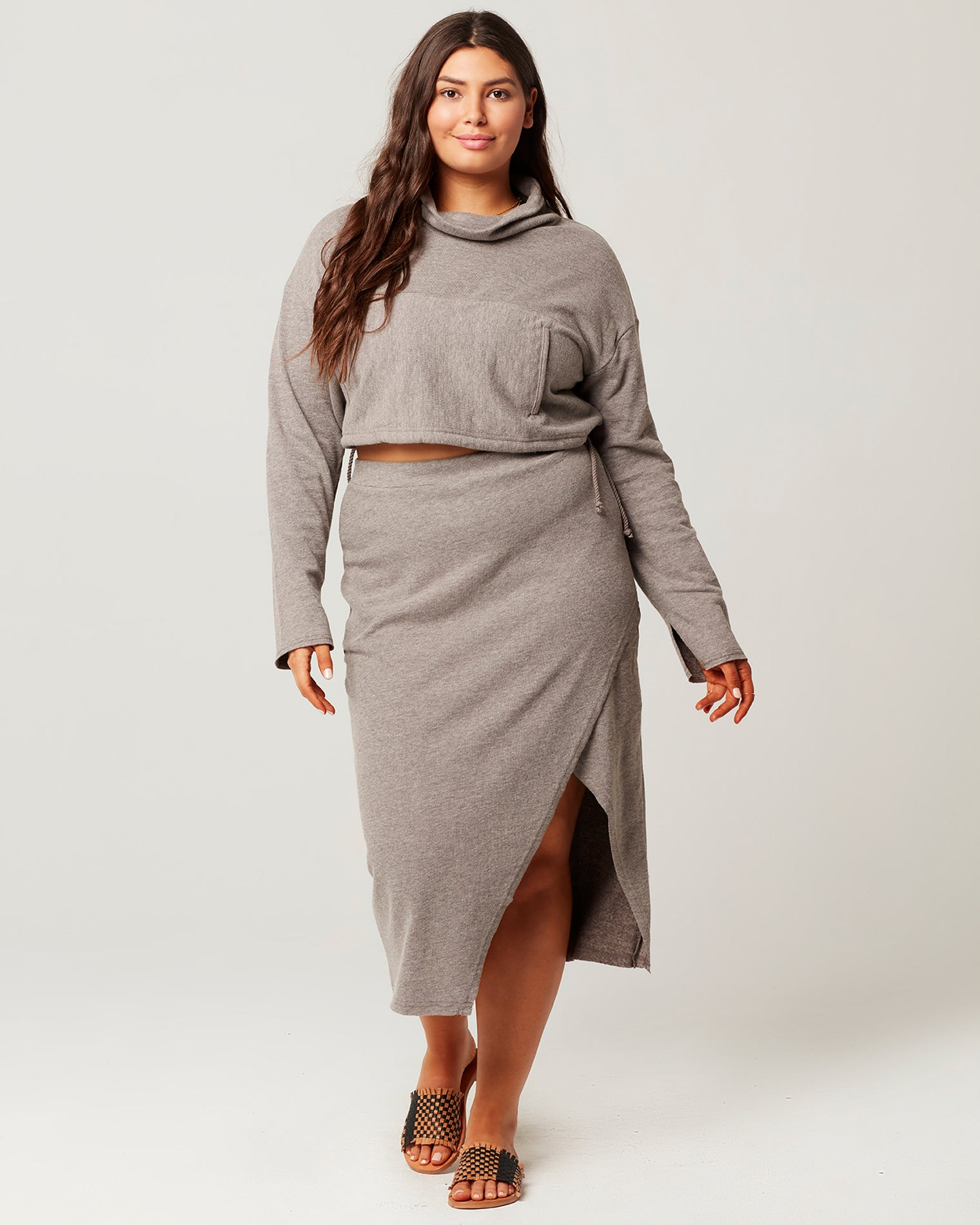 Heather Grey | Model: Elisa (size: XL)