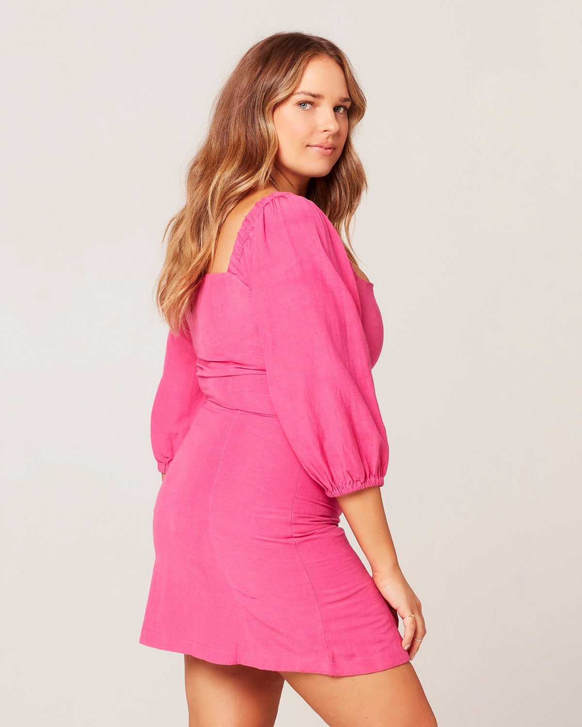 Bright Fuchsia | Model: Ali (size: XL)