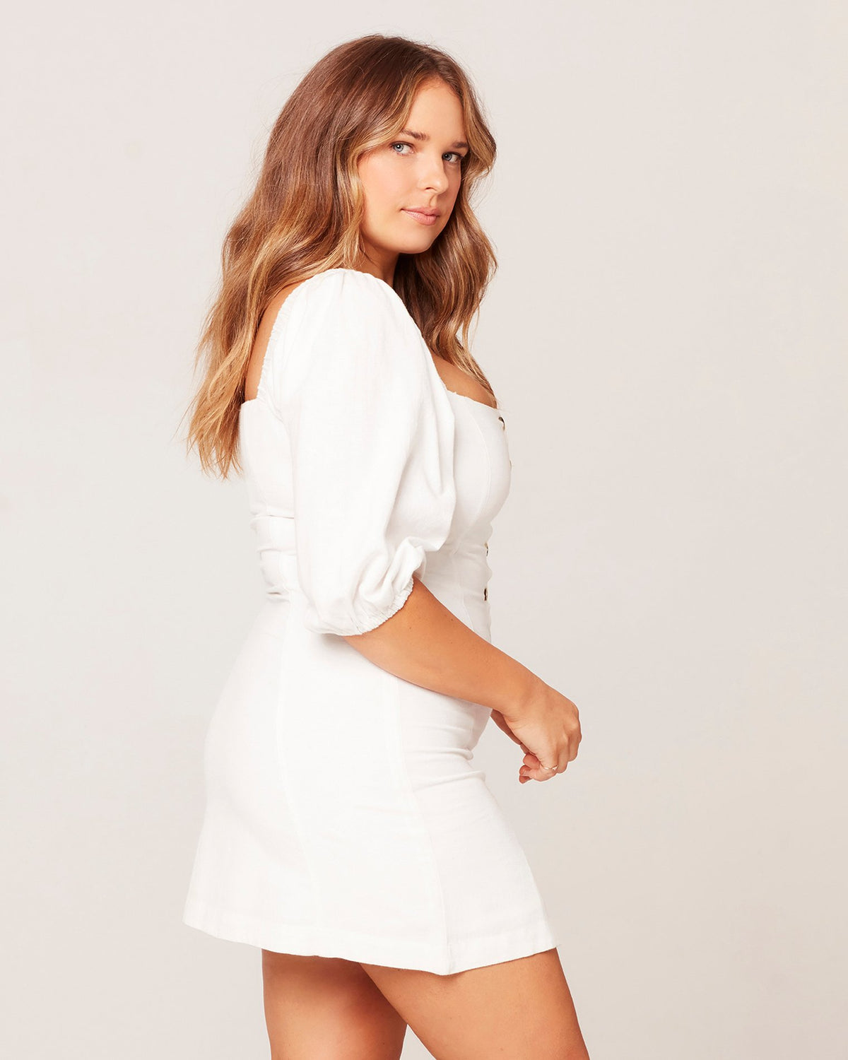 White | Model: Ali (size: XL)