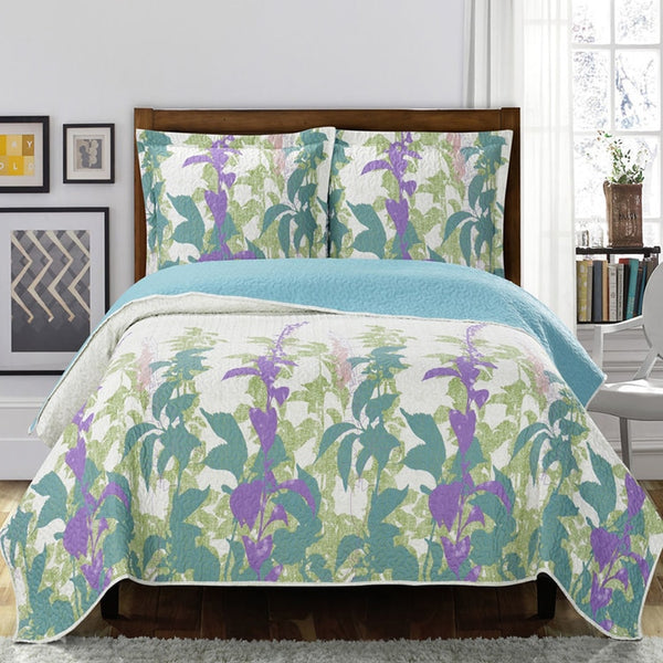 Relaxing Freya Paisley Floral Pattern Wrinkle-Free Reversible Quilt Set; Includes Quilt & Coordinating Shams