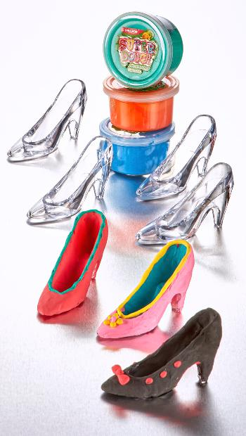 Super Dough Glass Shoe Set