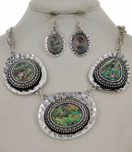 Charlotte necklace & earring set