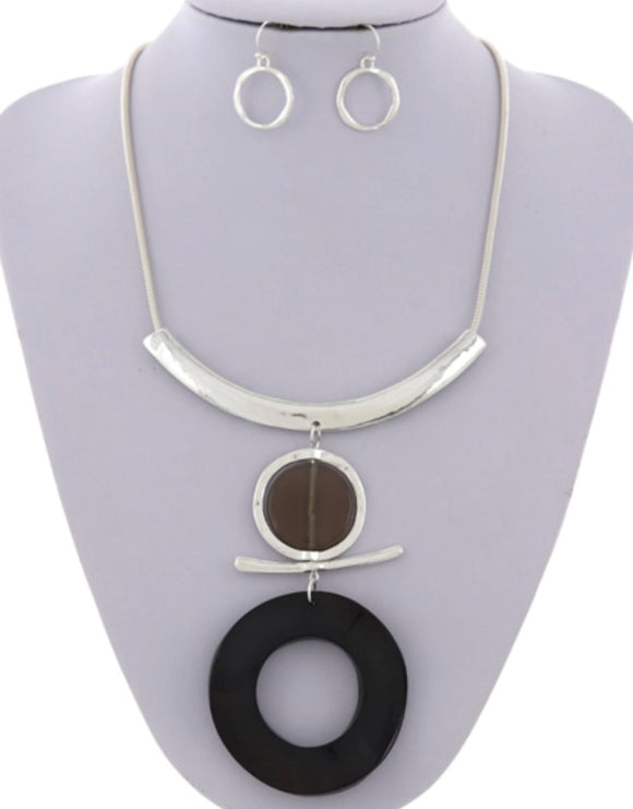 Tina necklace & Earring set