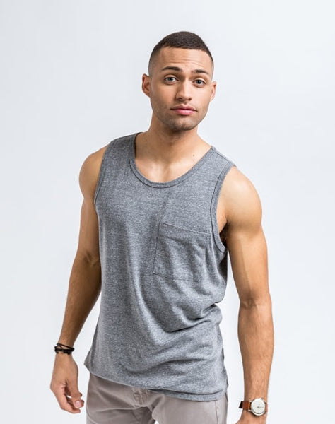 Will Bro Tank in Medium Heather has the perfect cut for sporty or casual look and feel.