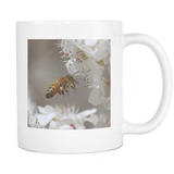 flying honey bee coffee cup