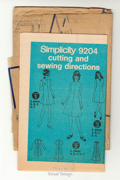 Simplicity 9204 1970s Keyhole Neck Dress Pattern, Regular Length or Flared Mini Dress, Uncut