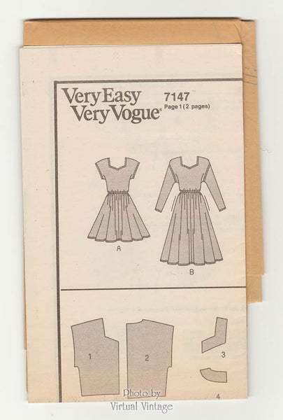 Very Easy Vogue pattern 7147