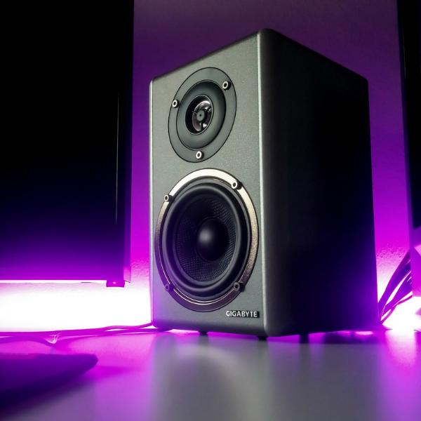 Speakers & Home Audio