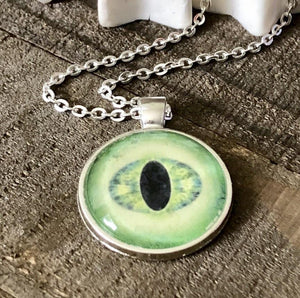 Hand Stamped Trinkets Necklace Green Dragon Eye Pendant Necklace