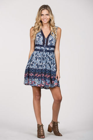 Sleeveless Floral Dress with Lace Detail and Buttons