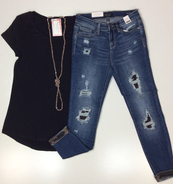 Judy Blue Camo Patch Distressed Skinny Jeans