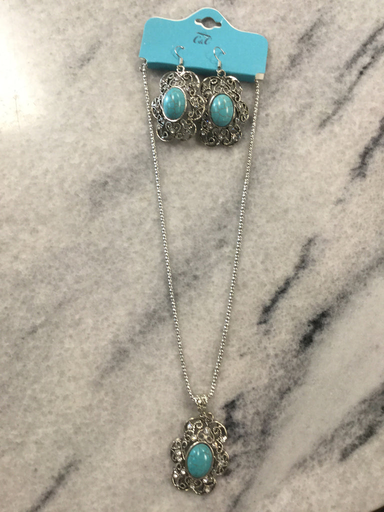 Turquoise Necklace / Earrings Set