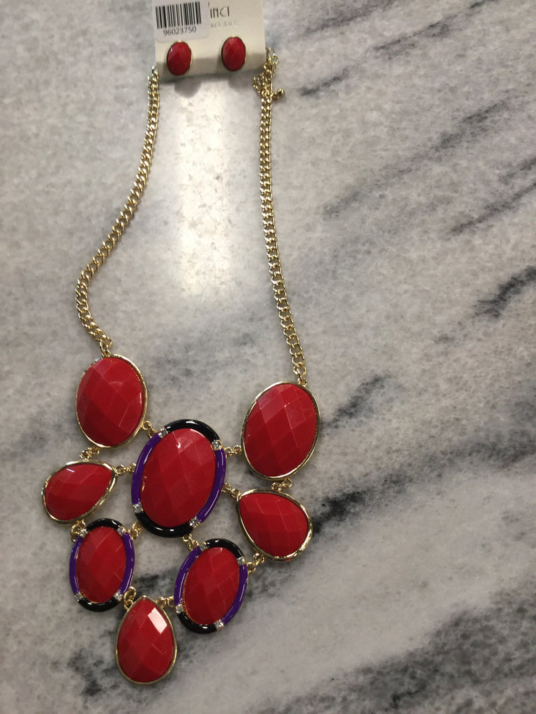 Statement Necklace And Earrings With Gold Chain