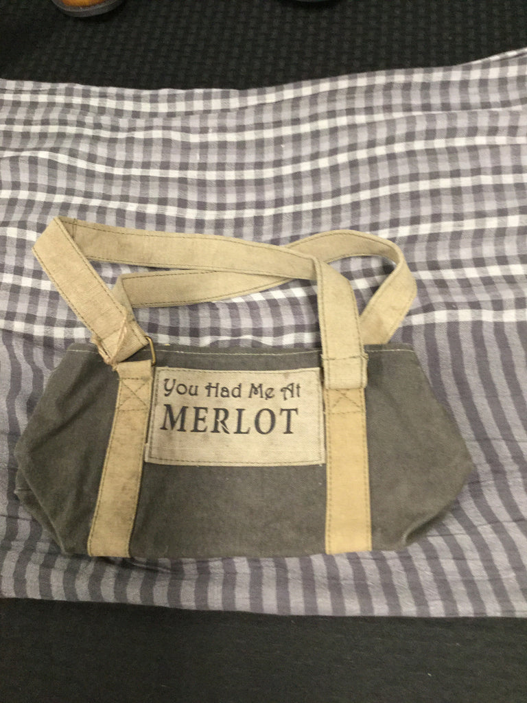 Mona B. Merlot Wine Bag