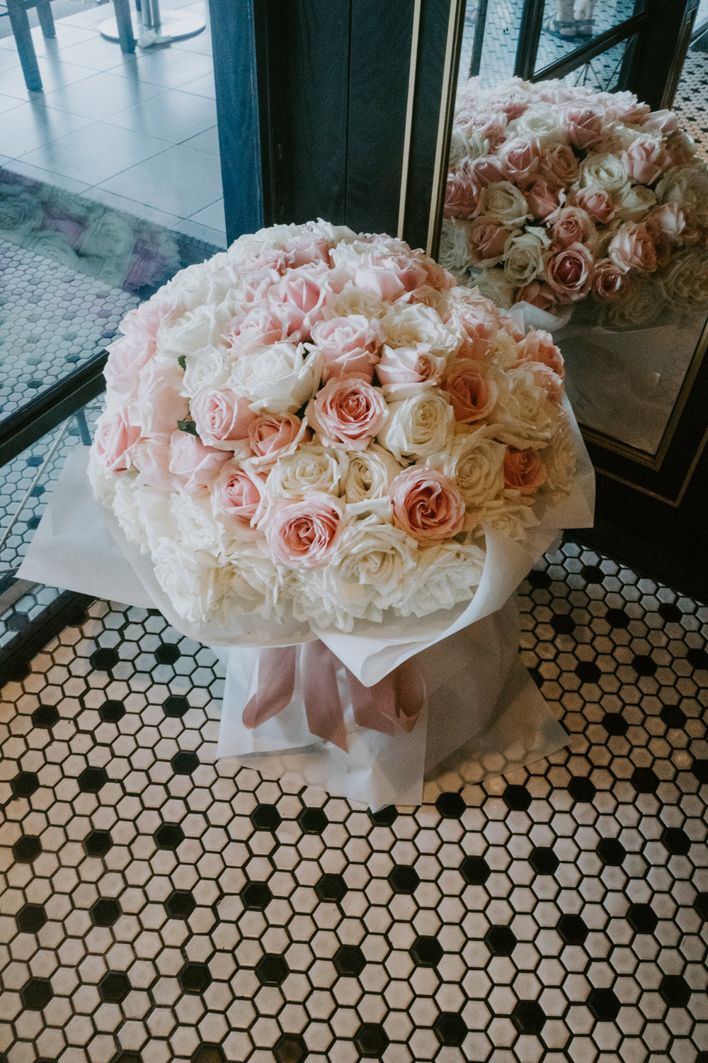 Round bouquet for wedding proposal flower with engagement ring during Singapore engagement party celebration