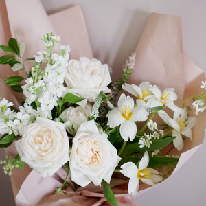 Blanc Wrapped Bouquet