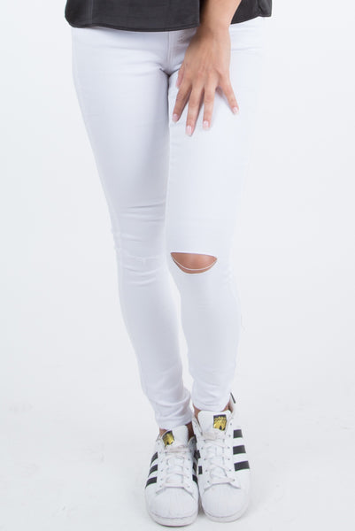 Kelly Slim Fit Ripped Knee White Pants
