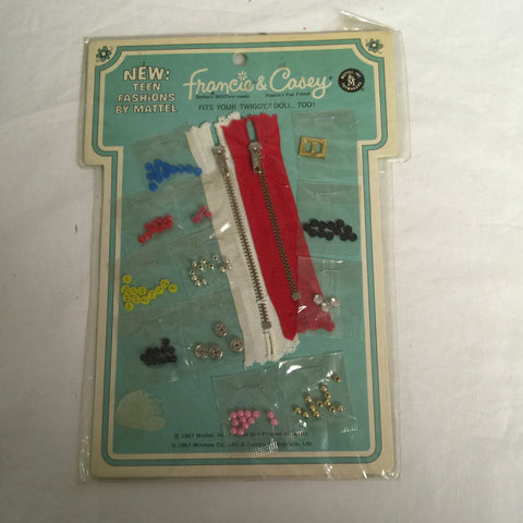 074 Mattel 1967 Francie & Casey Sewing kit - Colleen's Attic - 1