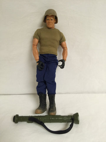 336 Hasbro 1996 GI Joe - Colleen's Attic - 1