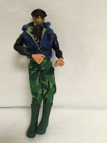 337 Hasbro 1996 GI Joe - Colleen's Attic - 1
