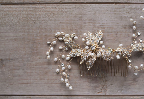 CAELUS - Brass Floral Bouquet Hair Comb
