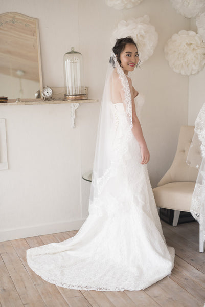 MOUSIKA - One tier Scalloped French Lace edging mid length Mantilla veil