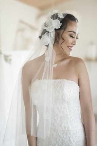 EUNOMIA - One Tier Juliet veil with Silk Flower Decoration