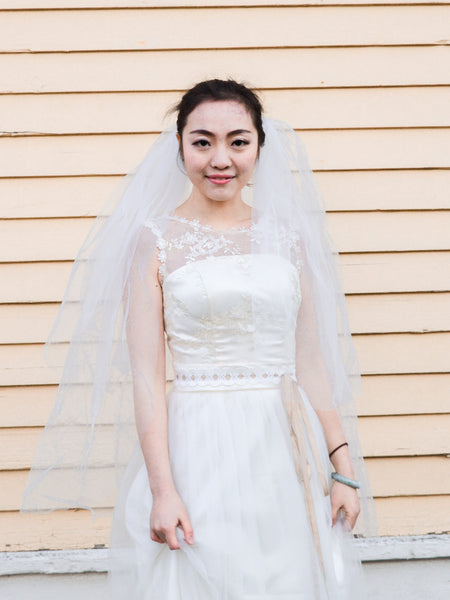 HALIE - Fluffy and lovely fingertip length bridal veil